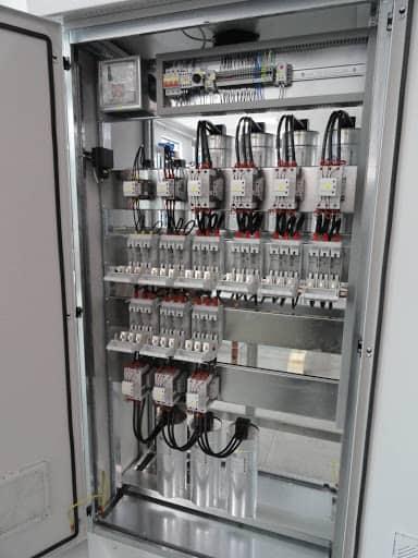 Przykład tradycyjnej baterii kondensatorów nn